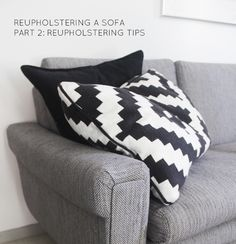 Everyday Grays: Reupholstering a sofa Part Reupholstering tips Diy Projects For Adults, Retro Sofa, Chair And Ottoman, Handmade Home Decor, Diy Art, Home Furnishings, Diy Furniture, Family Room, Upholstery