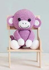 Den lille apen Anton - en perfekt julegave til de små. Har du lyst å hekle en… Crochet For Kids, Diy Crochet, Crochet Toys, Crochet Baby, Crotchet Animals, Knitted Animals, Crochet Monkey, Crochet Amigurumi Free Patterns, Amigurumi Toys