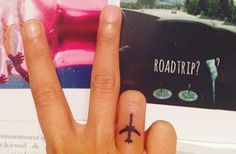 31 Tiny Finger Tattoos That Scream Of Big Things: