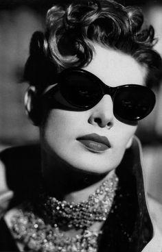 adb80c9d2d4 Qualcosa di cui parlare. Oakley SunglassesLuxury SunglassesRay Ban ...