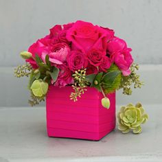 Send the pink bouquet of flowers from La Fleur by Tracy in Los Angeles, CA. Local fresh flower delivery directly from the florist and never in a box! All Flowers, Paper Flowers, Beautiful Flowers, Valentine's Day Flower Arrangements, Fresh Flower Delivery, Flower Boxes, Diy Hacks, Mason Jar, Website