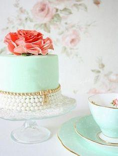 Lovely Mint Green Cake 1385340_10153310785930075_460440256_n.jpg (325×429)