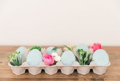 The sweetest Easter egg macarons