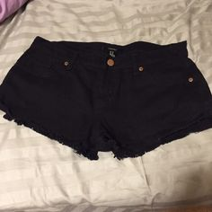 High-rise destroyed shorts Frayed edges • black • gently worn • no flaws • super soft • $2 shipping via 🅿️🅿️ Forever 21 Jeans