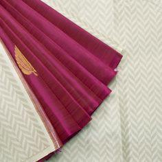 Kanakavalli Handwoven Kanjivaram Silk Sari 001353 - Sari / All Saris - Parisera Indian Silk Sarees, Soft Silk Sarees, Sari Silk, Kanjivaram Sarees, Kanchipuram Saree, Simple Sarees, Elegant Saree, Gold Silk, Traditional Sarees