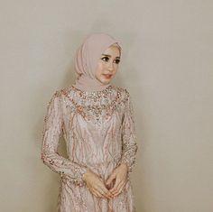 A moment before in Capture by thankyou our wo Kebaya Lace, Kebaya Hijab, Kebaya Dress, Kebaya Muslim, Muslim Dress, Hijab Dress, Turban Hijab, Kebaya Brokat, Dress Skirt