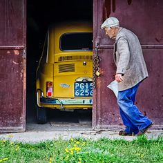 This will be me. I like to pay homage to the Yellow taxis of the world and other cars that happen to be yellow ! https://www.youtube.com/watch?v=jdNjqN_7tXs