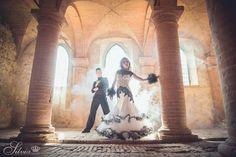 I campioni del mondo in carica di ballo standard Benedetto Ferruggia e Claudia Köhler, nella splendida location di Tenuta Ricrio - Tuscany durante lo shooting per Silvia design