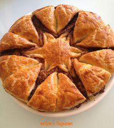 Flor de Hojaldre Vol Au Vent, Empanadas, Tea Time, Tea Pots, Recipies, Deserts, Dessert Recipes, Favorite Recipes, Bread