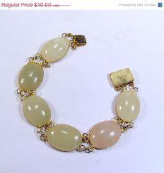 25 off Vintage 1950s pastel agate cabochon bracelet by jewelry715, $7.50
