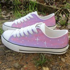 Sole Material: tendonHelp high: low to helpClosed way: lacePattern: hand-paintedStyle: skyUpper: CanvasPattern: hand-painted Sparkle Converse, Bright Spring, Everything Pink, Chuck Taylor Sneakers, Style Inspiration, Style Ideas, Me Too Shoes, Harajuku, Sky