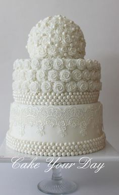 White Roses and Pearls Wedding Cake