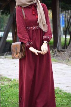 Stylish Work Outfits, Stylish Dresses For Girls, Frocks For Girls, Dress Clothes For Women, Abaya Fashion, Muslim Fashion, Fashion Dresses, Hijab Style Dress, Modele Hijab