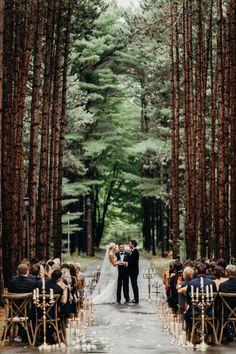 20 Stunning Woodland & Forest Wedding Ceremony Ideas – Wedding Tips & Themes Woodsy Wedding, Wedding Bells, Fall Wedding, Dream Wedding, Trendy Wedding, Budget Wedding, Wedding Tips, Redwood Wedding, Wedding Bride
