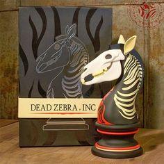 "ANDREW BELL The Last Knight Dead Zebra inc 8"" ART FIGURE Chess Piece 1ST EDITION #DeadZebraInc"