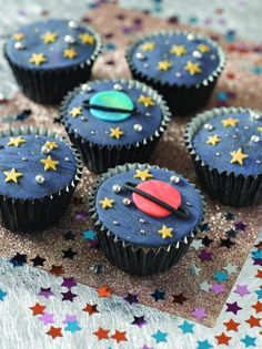 space cupcakes - Google Search For 6th bday