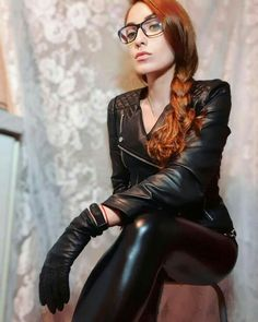 Black Leather Gloves, Black Faux Leather, Leather Pants, Leder Outfits, Latex, Shiny Leggings, Leather Dresses, Leather Fashion, Women's Gloves