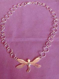 Collar de plata diseño libélula.