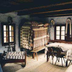 Traditional interior of a Romanian/Transylvanian rural house, at the Village Museum in Cluj.  #cluj #viataincluj #romania #românia #romaniamagica #iloveromania #ig_romania #igro #transylvania #takemetoromania
