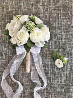 Kırık beyaz gül buket Gelin buketi el yapımıdır..Yapay çiçeklerden hazırlanmıştır..Yaka çiçeği hediyesidir.... 346685