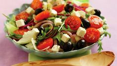 This Italian Salad is a delicious, easy lunch or dinner. Caprese Salad, Fruit Salad, Cobb Salad, Italian Salad, Tzatziki, Great Recipes, Salad Recipes, Potato Salad, Food And Drink