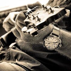Now that Classico #uboatwatch #chronograph is sweet music to my ears @mrtimewriter - @thenibsmith making sweet  music! #Uboat ⌚️ #uboatwatch #watchoftheday #jamsession #guitar @uboatwatch_official #style #watches #watchshot #watchaddict #watchdaily #watchgeek #madeinitaly #luxury #luxurywatches
