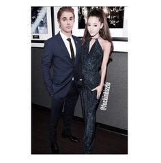 Jarianna Imagine: Justin bringing Ariana as his date to the Bieber Roast and they decide to match colors.