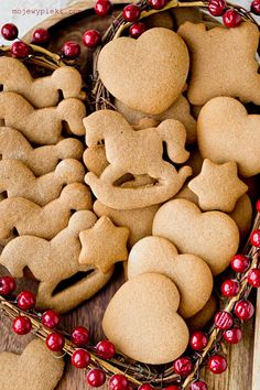 Pierniczki (przepis II) | Moje Wypieki Cooking Cookies, Gingerbread Cookies, Ale, Sweets, Christmas, Food, Gingerbread Cupcakes, Xmas, Gummi Candy