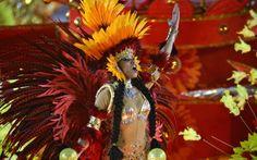 UNIDOS DO VIRADOURO - Destaque do carro abre-alas, que representa São Lourenço dos Indíos, antes banda D'Além, agora habitada pelos índios t...