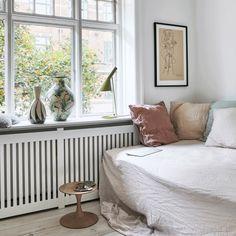 Nordic Bedroom, Home Bedroom, Sofa Inspiration, Living Room Inspiration, Cosy Corner, Nordic Home, Diy Sofa, House Doctor, Decoration