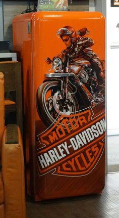 Vintage Fridge, Vintage Refrigerator, Retro Fridge, Harley Davidson Pictures, Harley Davidson Logo, Harley Davidson Motorcycles, Used Trucks, Steve Harley, Garage Workshop