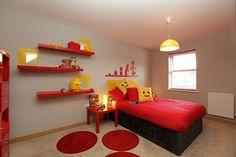 Recámara para niños decorada al estilo LEGO