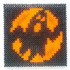 Halloween ghost hama perler beads - http://www.creactivites.com/229-perles-a-repasser