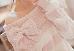 Cute pink sweater I want now!!!!! This is so stinkin cute!!!!