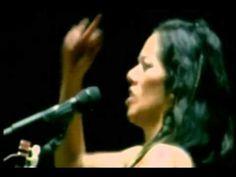 "Lila Downs ""paloma negra"" & Susana Harp ""Algo me dicen tus ojos"""