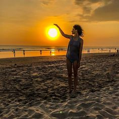 Touching the sun Ocean Sunset, Bali Travel, Summer Vibes, Sea, Celestial, Nature, Outdoor, Instagram, Fotografia