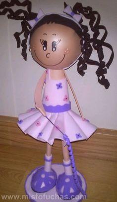 Las más hermosas fofuchas bailarinas de la internet están en esta recopilación de muñecas, toda una belleza de manualidades. Desde bailarin...