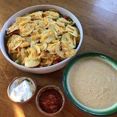 Een gezond, snel en makkelijk recept. Lekker vegetarisch! Nachos, Pasta Salad, Ethnic Recipes, Food, Crab Pasta Salad, Essen, Meals, Tortilla Chips, Yemek