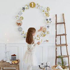 Fabriquer un calendrier de l'avent en forme de couronne