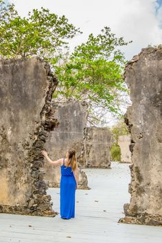 From the iconic twin peaks of the Pitons to the lush banana plantations and idyllic beaches, here are some of the best spots for photography in Saint Lucia. Saint Lucia, Backpacking Tips, Top Destinations, Caribbean Sea, Twin Peaks, Cruise Vacation, Jamaica, Lush, Beaches