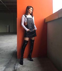 So chic 😍😘💋 Kathryn Bernardo Photoshoot, Kathryn Bernardo Outfits, Filipina Actress, Beautiful Inside And Out, Leather Skirt, Fashion Show, Make Up, Actresses, Chic