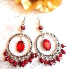 Boucles d'oreilles creoles rouges et cristal rouge