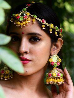 Fancy Gota Jewellery Designs to add Bling & Edge to your Look Mehndi Ceremony, Haldi Ceremony, Flower Jewellery For Haldi, Flower Jewelry, Diy Wedding Earrings, Jewelry Trends, Jewellery Designs, Gota Patti Jewellery, Fabric Jewelry