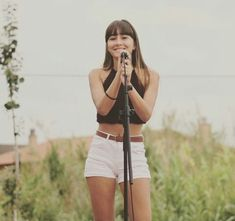 Aitana Ocaña ( — 32 answers, 6019 likes Kawaii Girl Drawings, Maisie Williams, Celebrity Outfits, Kylie Jenner, Famous People, Singer, Actors, Hair Styles, Puppies
