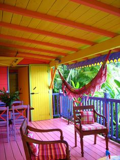 This type of %%KEYWORD%% is undeniably an interesting style conception. Caribbean Decor, Caribbean Homes, Tropical Colors, Tropical Decor, Interior Exterior, Exterior Paint, Case Creole, Beach Cottage Decor, Tropical Houses
