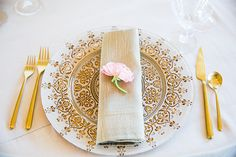 This Beautiful, American-Indian Wedding Is The Best Of Both Worlds #refinery29  http://www.refinery29.com/100-layer-cake/85#slide31  Related: A Super-Fancy San Fran Wedding