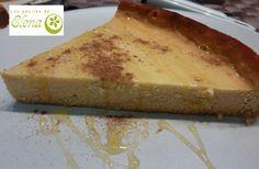Tarta de requesón y miel  Otra receta facilita que he copiado del blog juego de sabores. Es de las que me gustan a mi, mezclar todo y meter en el horno. Mejora bastante de sabor presentándola con canela por encima y miel. Nos ha gustado mucho.    http://www.lospostresdeelena.com/2013/03/tarta-de-requeson-y-miel.html