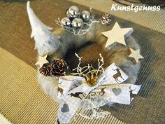 Deko und Accessoires für Weihnachten: kleiner ADVENTSKRANZ...Zauberwald made by Kunstgenuss via DaWanda.com