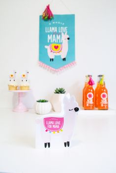 I love these cute DIY ideas for Mother's Day! This post comes with a free printable card that you and your kiddos can fill out to give on Mother's Day.