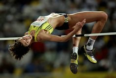 Blanka Vlasic wearing my high jump spikes. :B This was her tournament record of 2.05m at the Qatar Super Grand Prix in Doha in 2009.